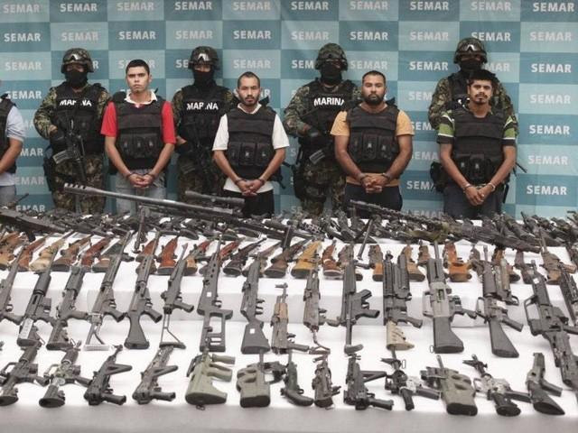 Los Zetas, hay còn gọi là ''huyền thoại đen'', là một tổ chức tội phạm ở Mexico chuyên buôn lậu ma túy