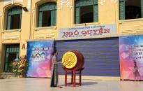 Phó Bí thư thường trực Thành uỷ Nguyễn Thị Nghĩa dự khai giảng năm học mới tại Trường THPT Ngô Quyền