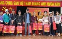 Sở KH&ĐT-Công ty VCHP: Trao 50 suất quà tặng hộ nghèo tại phường Hàng Kênh