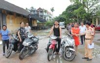 Công an huyện Thủy Nguyên trao trả xe máy cho người bị hại