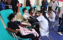 """Quận Dương Kinh tổ chức chương trình """"Giọt hồng trao yêu thương"""""""