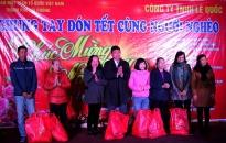 Cty Lê Quốc và UBMT TQ thành phố tổ chức chương trình 'Chung tay đón Tết cùng người nghèo'