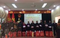 Phường Thượng Lý (Hồng Bàng): Trao 227 suất quà Tết tặng người nghèo