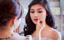 Trang điểm cô dâu: Nhọc nhằn nghề làm dâu trăm họ