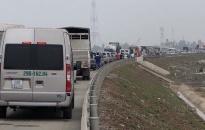 Ùn tắc cục bộ trên tuyến đường xuyên đảo đoạn từ cầu Tân Vũ – Bến Gót