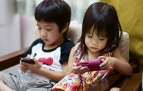 """Để trẻ """"an toàn"""" trước tác động của công nghệ số"""