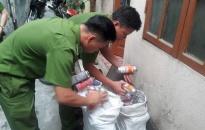 Đội Quản lý hành chính về TTXH, CAQ Lê Chân: Phát hiện 2 cơ sở san chiết gas 'khủng'