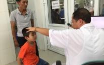 Quỹ Bảo trợ trẻ em Hải Phòng: 16 trẻ được chỉ định phẫu thuật mắt miễn phí