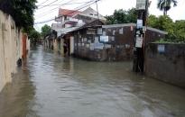 Ngập lụt nhiều ngõ phố sau cơn mưa ngày 21-7