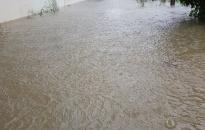 Quận Hải An chìm trong mưa lụt