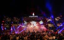 Hàng ngàn khán giả Vinpearl cháy hết mình cùng đêm nhạc Boney M
