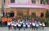 Đoàn thanh niên Phòng Cảnh sát Hình sự CATP và Khoa Cảnh sát Hình sự Học viện CSND: Hỗ trợ người dân bị lũ lụt tại huyện Cẩm Thủy, Thanh Hóa