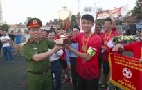 Chung kết Giải bóng đá vô địch các CLB thành phố Cúp Báo An ninh Hải Phòng – Nhựa Tiền Phong lần thứ 17 năm 2018     CLB Minh Vũ – Kiến Thụy lên ngôi vô địch