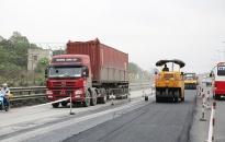 Phân luồng giao thông tạm thời phục vụ thi công sửa chữa nền, mặt đường và bổ sung hệ thống thoát nước đoạn Km28+800 - Km30+507, QL.17B, huyện An Dương