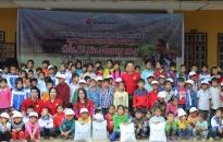 Vietravel Chi nhánh Hải Phòng Trao 122 suất quà tặng học sinh nghèo vùng cao