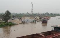 Hoạt động các bến bãi tập kết vật liệu ven sông trên địa bàn thành phố:  Vẫn còn nhiều bất cập