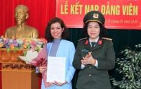 Chi bộ Báo An ninh Hải Phòng kết nạp đảng viên mới
