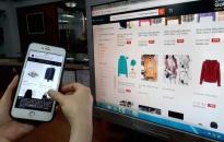 """Cảnh giác trước """"bẫy"""" mua hàng online"""