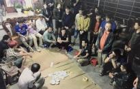 Tạm giữ hình sự 17 đối tượng trong nhóm bạc tại Kiến Thụy