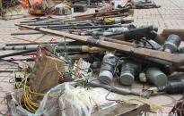 Huyện An Dương: Người dân giao nộp 26 khẩu súng