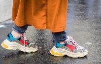 Đôi giày sneakers linh hoạt