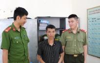 Công an phường Thượng Lý (quận Hồng Bàng): Giải cứu thanh niên nhảy cầu tự tử