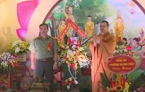 Lãnh đạo Công an tỉnh Thái Bình chúc mừng các Đại đức, tăng ni nhân dịp Đại lễ Phật đản 2019
