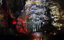 Hang Quả Vàng - tuyệt tác thiên nhiên giữa vịnh Lan Hạ