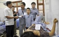 Vụ tai nạn kinh hoàng tại Tiên Yên: Phó Chủ tịch UBND tỉnh Bùi Văn Khắng trực tiếp chỉ đạo cấp cứu, chăm sóc nạn nhân