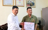 Quận Lê Chân:  Thăm, tặng quà các gia đình chính sách, người có công với cách mạng tiêu biểu