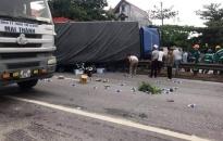 5 người bị xe tải lật trúng tử vong