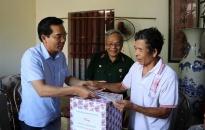 Ủy ban MTTQ Việt Nam thành phố:  Thăm, tặng quà các gia đình nạn nhân bị ảnh hưởng của chất độc da cam