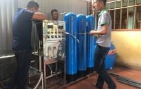 THANH NIÊN HẢI PHÒNG - NHỮNG HÀNH ĐỘNG ĐẸP: Trao tặng hệ thống lọc nước sạch