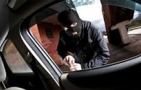 Trộm ô tô Range Rover ngay trong bãi gửi