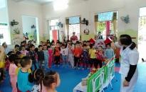 Huyện Tiên Lãng: Tổ chức chuyên đề chăm sóc giáo dục trẻ đối với các nhóm lớp mầm non ngoài công lập