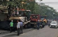Phân luồng giao thông phục vụ thi công sửa chữa mặt đường Phạm Văn Đồng (Tỉnh lộ 353)