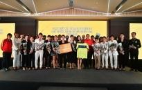 Bất ngờ hình ảnh ngoài sân cỏ của những cô gái vàng bóng đá Việt Nam