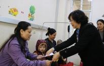Bảo hiểm xã hội thành phố: Trao quà Tết tặng các bệnh nhi Bệnh viện Trẻ em Hải Phòng