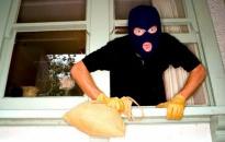 Ăn trộm... lấy tiền làm lộ phí tìm việc