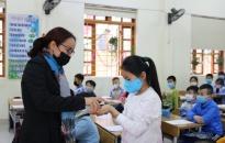 Ngày đầu trở lại học sau tập huấn, khử khuẩn trường học: Nhiều học sinh vẫn nghỉ học