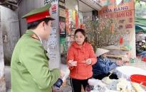 Đoàn thanh niên Công an phường Lạch Tray (Ngô Quyền): Phát khẩu trang miễn phí tặng người dân phòng dịch Corona