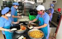 Cận cảnh nơi phục vụ bữa ăn cho người bị cách ly do dịch Covid-19 ở Hải Phòng