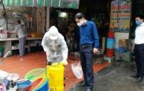 Quận Lê Chân:  Phun khử khuẩn đồng loạt  tại 4 chợ để phòng chống dịch bệnh COVID-19