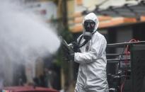 Phun hóa chất khử trùng toàn thành phố phòng chống dịch COVID-19