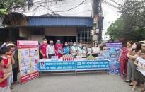 Đoàn Thanh niên & Hội Phụ nữ phường Nam Sơn, Kiến An: Phát 500 khẩu trang vải, 400 bánh xà phòng tặng người dân
