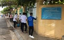 Đoàn Thanh niên phường Hải Sơn: Làm sạch hơn 30 m2 tường bao Trường THCS Ngọc Hải