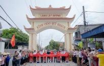 Làng Lật Dương, xã Quang Phục (Tiên Lãng): Khánh thành các công trình cổng, sân vận động làng