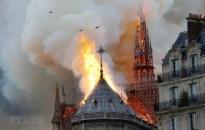 Pháp bắt đầu tháo dỡ giàn giáo tại Nhà thờ Đức Bà