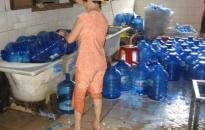 Chuyện thời cuộc: Siết chặt hơn nữa quản lý chất lượng nước đóng bình