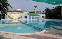 Học sinh lớp 1 tử vong do đuối nước ở bể bơi